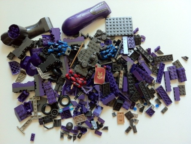 Piles of Parts from Halo Mega Bloks Versus: Covenant Locust Attack 96965 Set