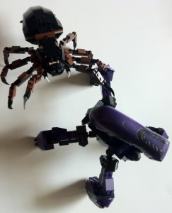 Halo Mega Bloks Covenant Locust vs. Shelob LEGO Lord of the Rings