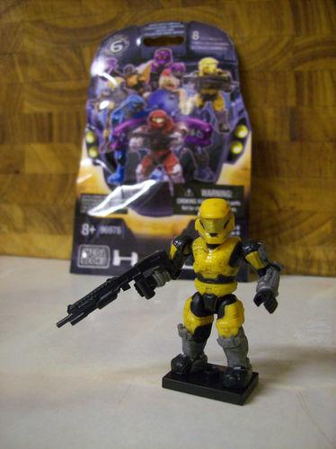 Ultra Rare Halo Mega Bloks Series 6 UNSC Red Spartan Grenadier w// Battle Rifle