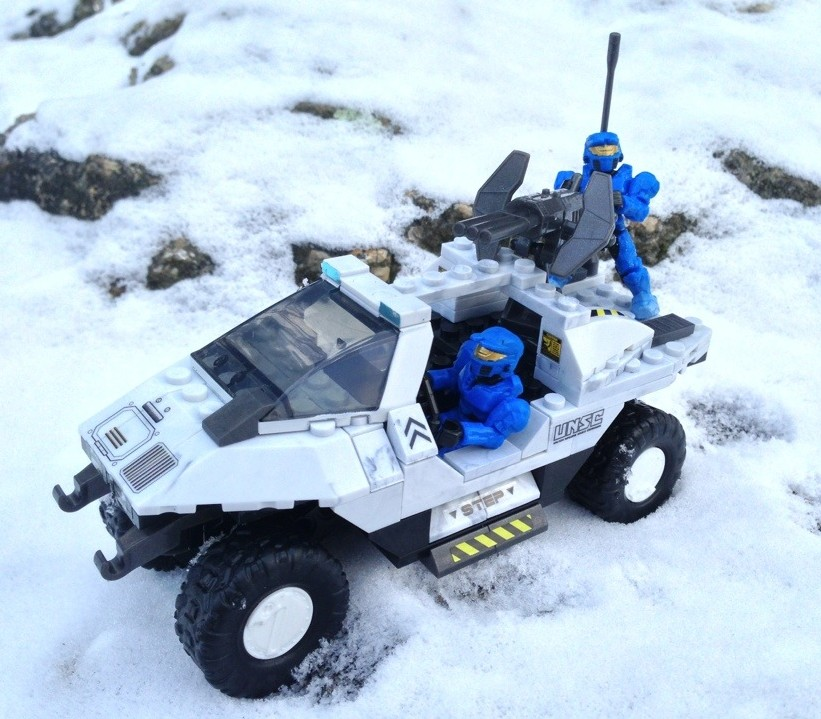 Halo Mega Bloks Snowbound UNSC Arctic Warthog Vehicle with Blue Spartans Figures