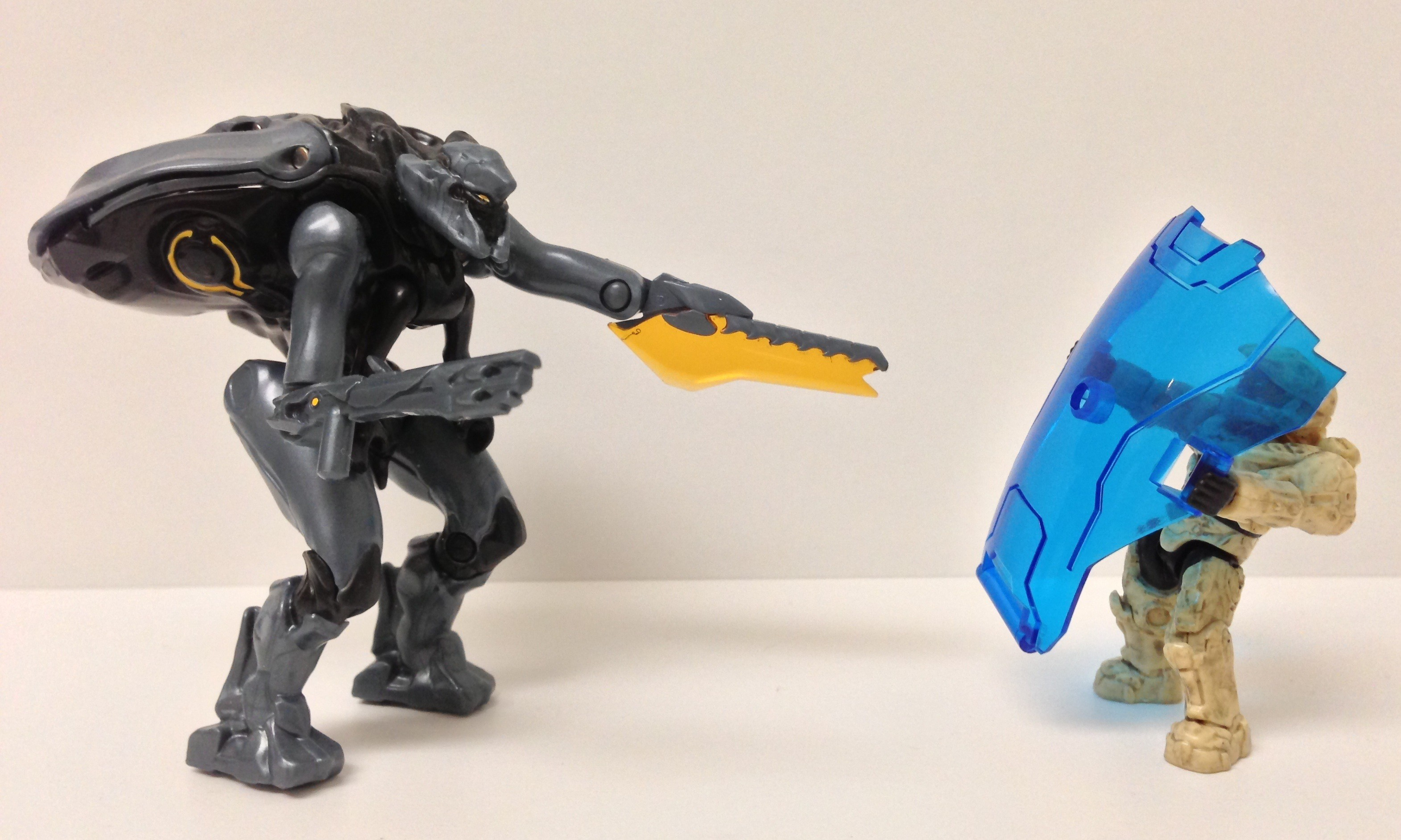 Halo Prometheans vs Flood Halo Mega Bloks Promethean