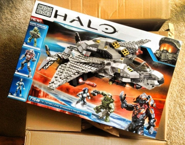 Mega Bloks 97380 Halo UNSC Broadsword Jet Released