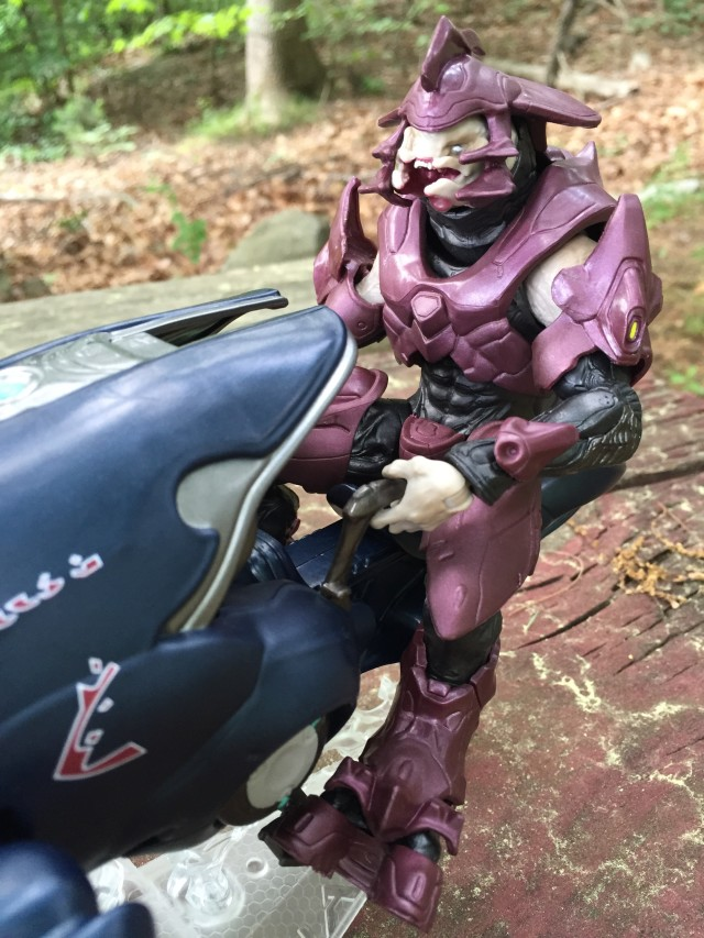 Mattel Halo Elite Officer Figure on Covenant Ghost Vehicle