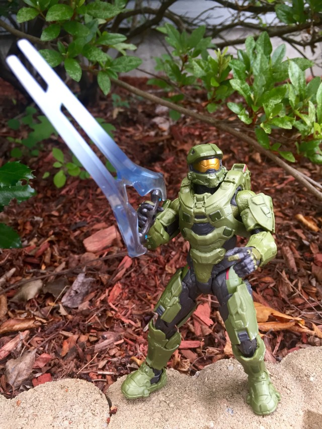 "Master Chief 6"" Figure Holding Covenant Energy Sword"