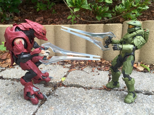 Mattel Halo Master Chief vs. Elite Zealot Figures