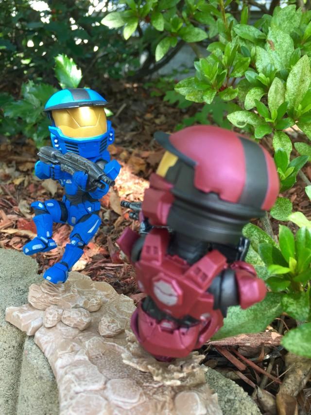 Loot Halo Red Spartan vs. Blue Spartan Figure