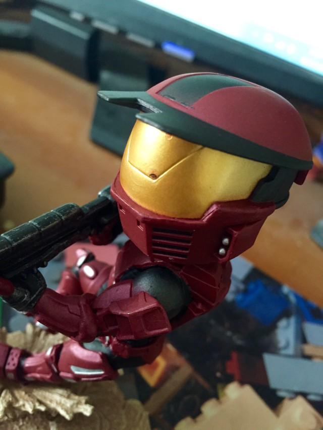 Defective Visor on Red Spartan Halo Icons Warzone Figure
